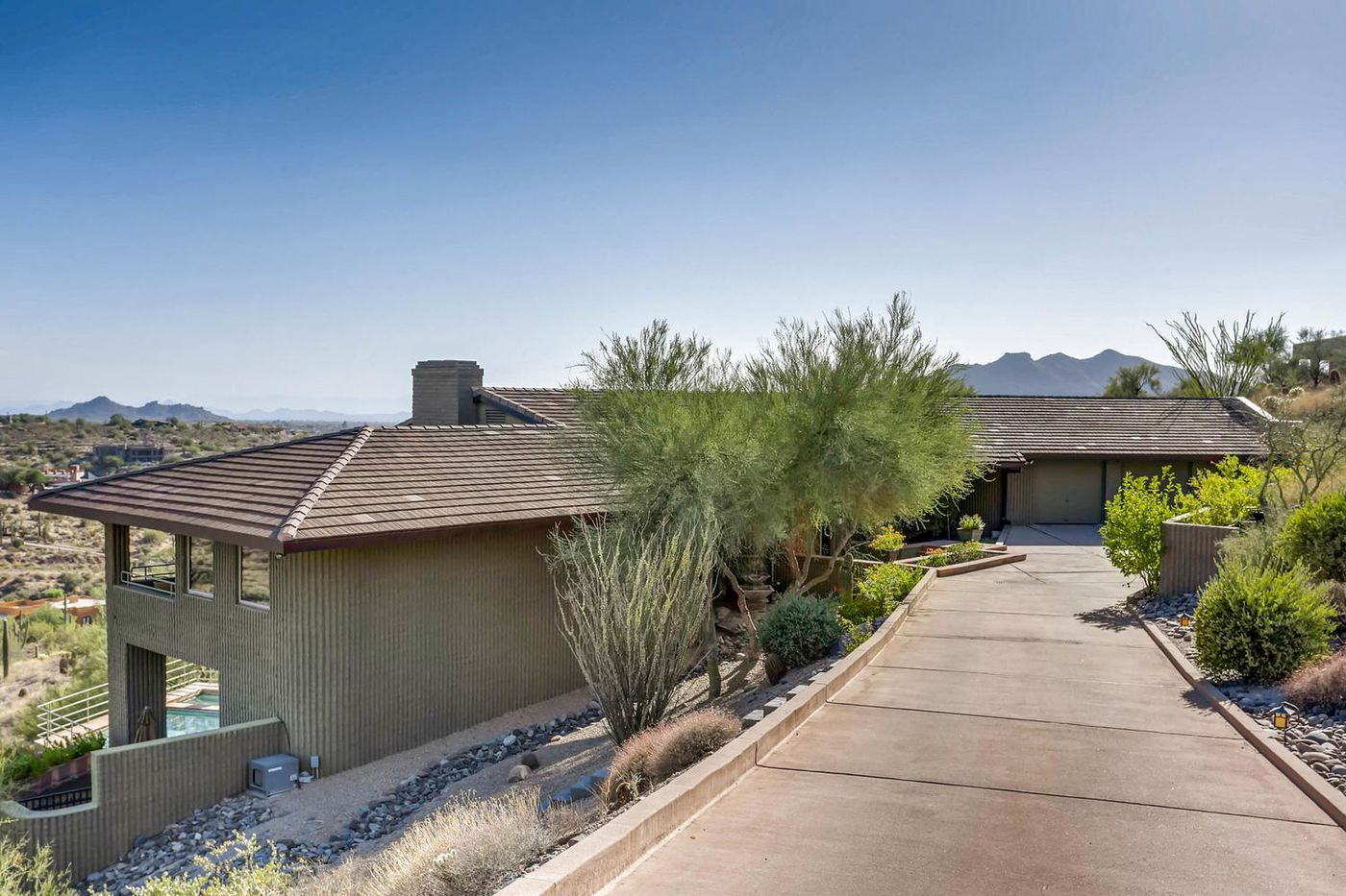 Views from Four Peaks to Town-large-001-1-Exterior Front-1500x1000-72dpi