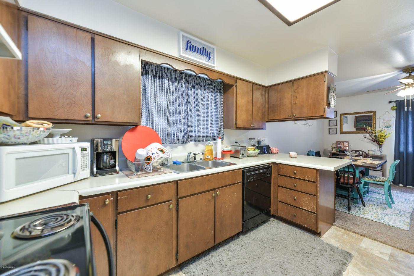 3616 Navajo kitchen 2