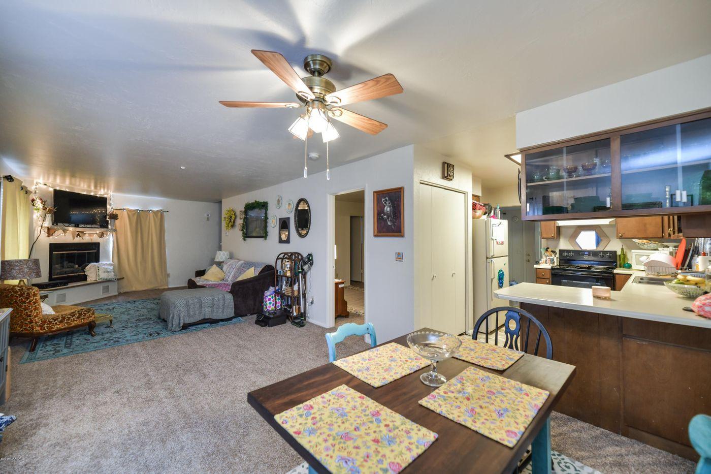 3616 Navajo Kitchen Dining LR