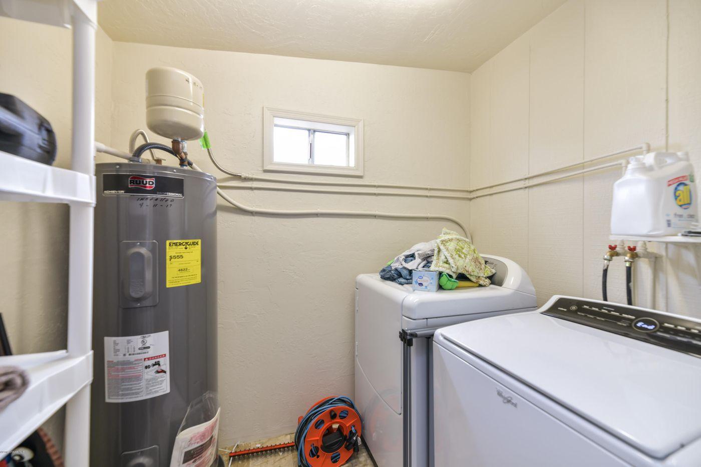 3616 Navajo laundry
