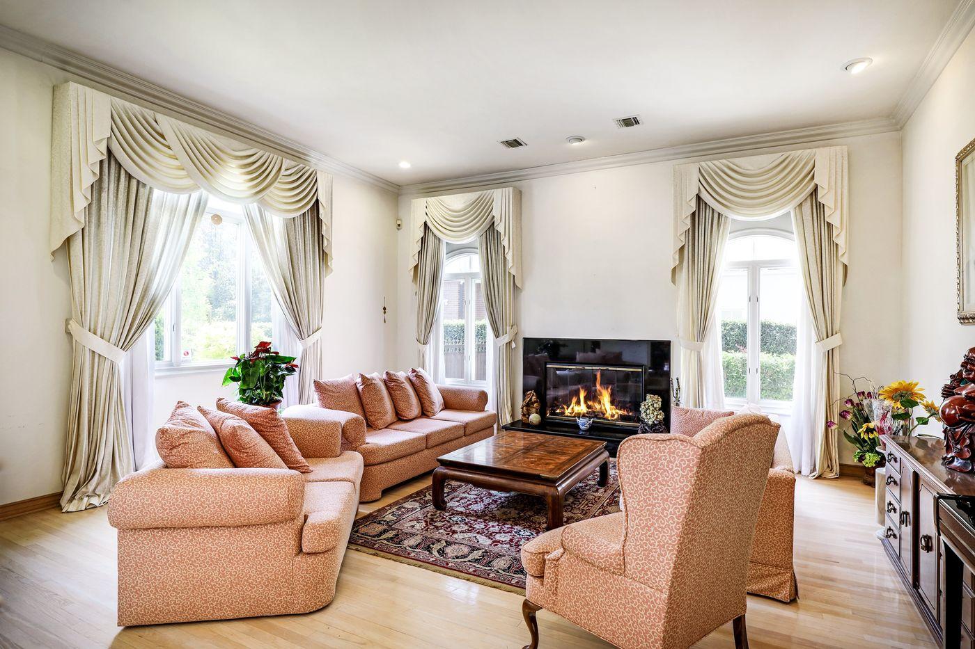 real-estate-photography-2245 Kingsbridge Ct-San Dimas-91773-airbnb-rental-interior-design-photographer-kasi-hyrapett-23