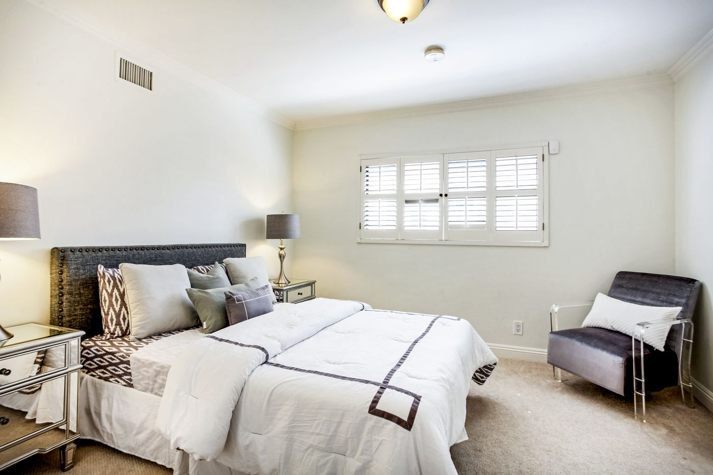 real-estate-photography-4825 Newcastle Ave-Encino-91316-airbnb-rental-interior-design-photographer-kasi-hyrapett-13